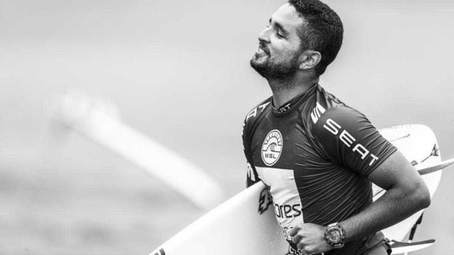Vídeo: Surfista havaiano troca socos com brasileiro e é suspenso