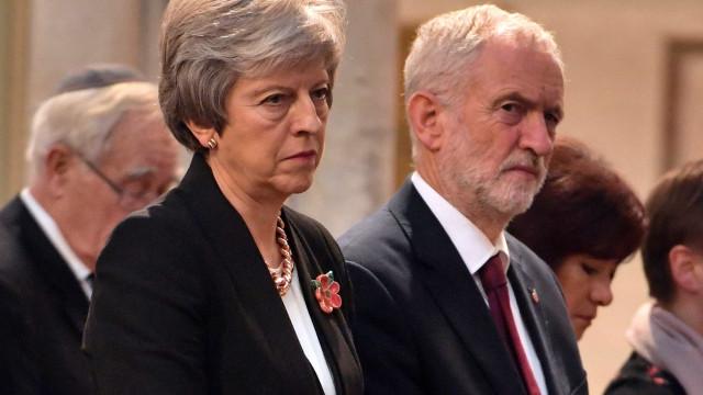 May e Corbyn protagonizam discussão acalorada no Parlamento britânico