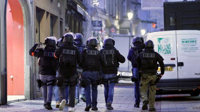 Autor de ataque em Estrasburgo pode ter fugido para Alemanha