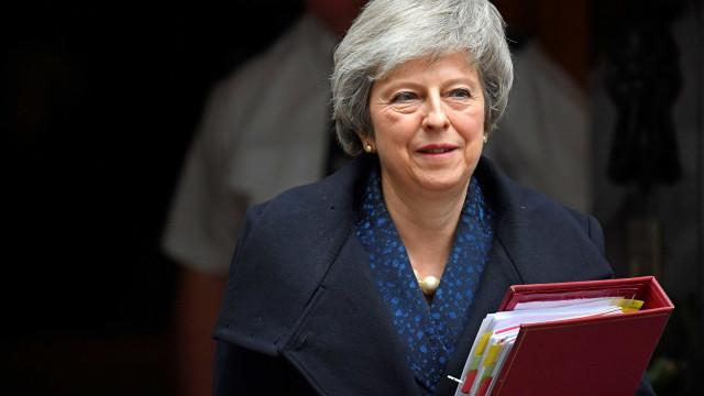 Antes de votação, May alerta que Brexit está em perigo