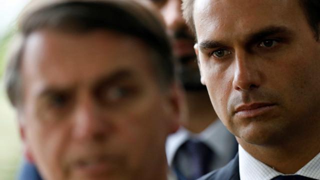 'A esquerda chora', diz Eduardo Bolsonaro após prisão de Battisti