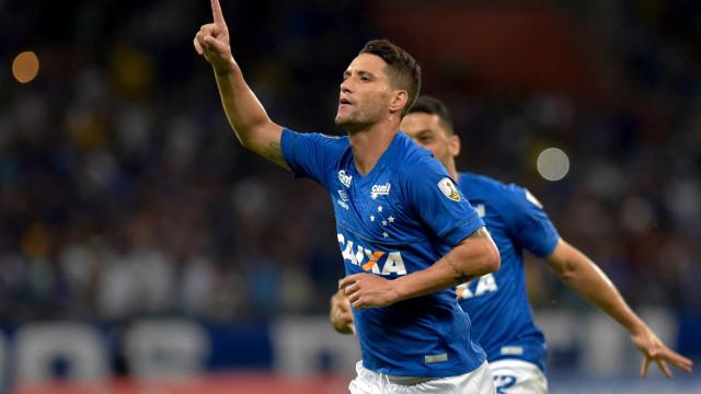Cruzeiro revela proposta do Corinthians por Thiago Neves e Sassá