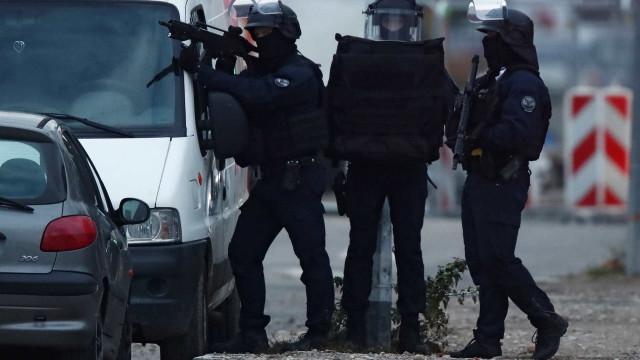 França prende quinto suspeito de ter ligação com atirador
