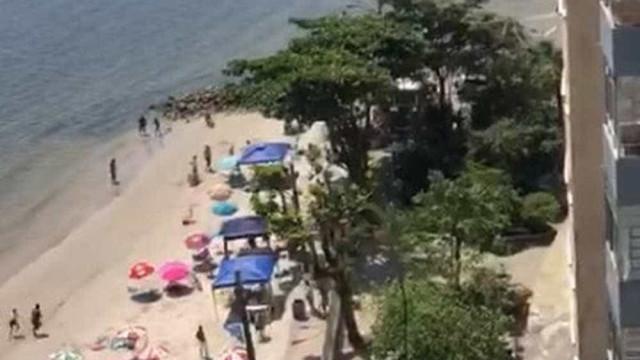 Tiroteio mata um e fere dois em praia no litoral de São Paulo; vídeo