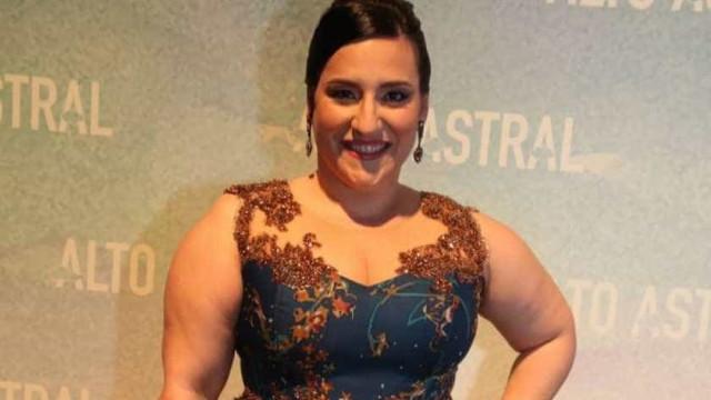 De volta às novelas, atriz perde 46 quilos e brinca: 'Perdi uma Sandy'