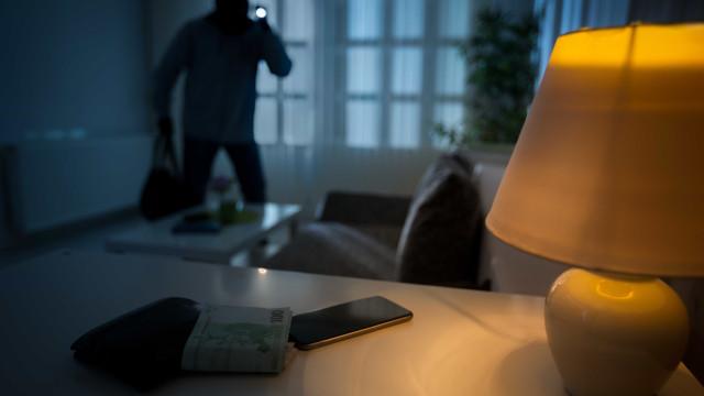 3 dicas para manter a sua casa segura nas férias sem gastar muito