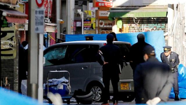 Motorista atropela multidão que celebrava Ano Novo no centro de Tóquio