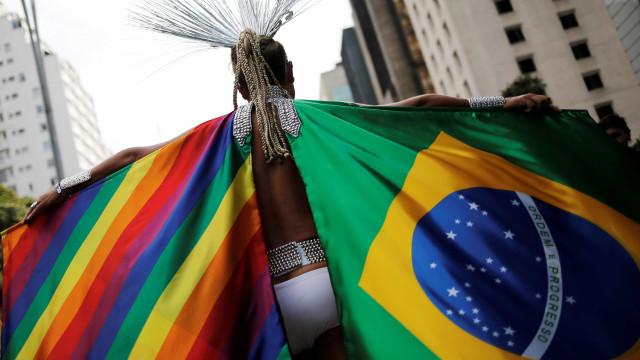 Bolsonaro exclui comunidade LGBTQI+ das diretrizes de Direitos Humanos