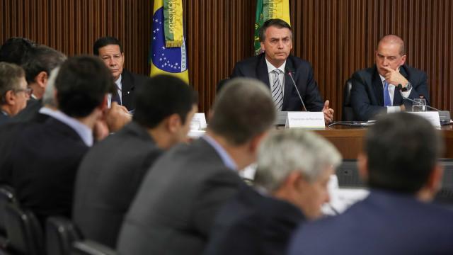 Militares da reserva faz manifestação para pedir emprego a Bolsonaro