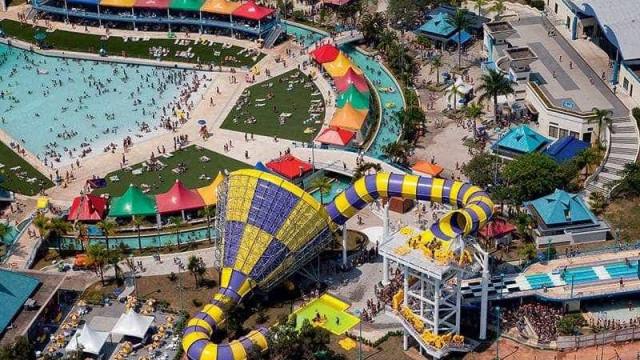 Wet'n Wild deve indenizar clientes agredidos no parque em R$ 56 mil