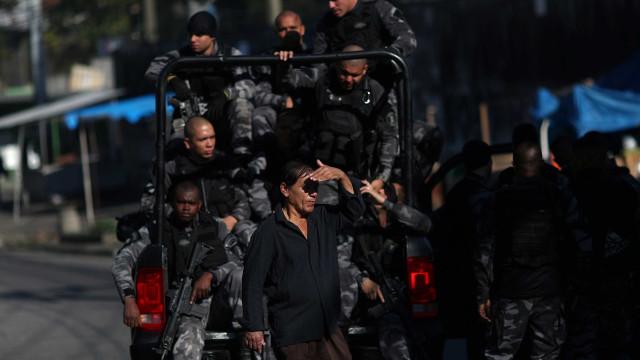 Polícia apreende 400 quilos de drogas em favela no Rio