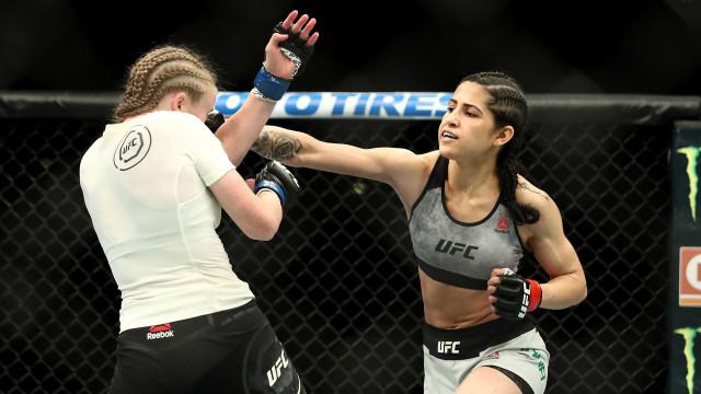 Lutadora do UFC reage a assalto e domina ladrão com 'mata-leão'
