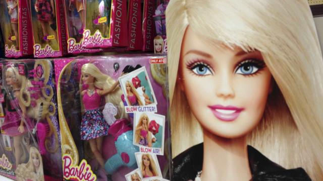 Warner e Mattel vão produzir filme da Barbie com Margot Robbie