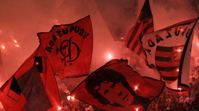 Conmebol proíbe bandeirões nos estádios nas competições deste ano