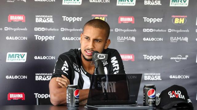 Atlético-MG oficializa contratação do volante Jair, do Sport