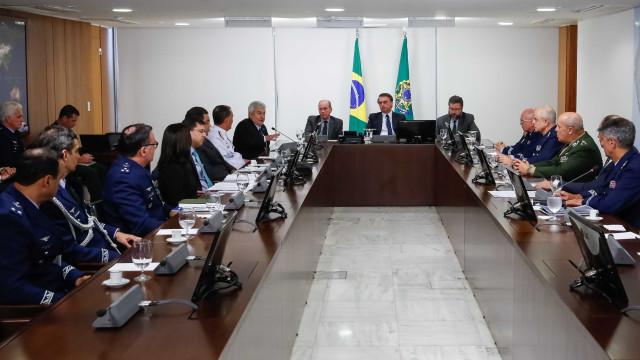 Bolsonaro autoriza fusão entre Embraer e Boeing