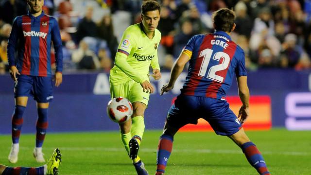 Coutinho marca, mas Barça sente falta de Messi e perde na Copa do Rei