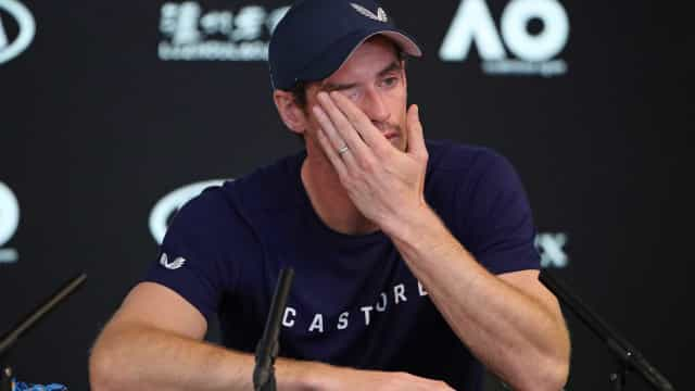 Em lágrimas, Murray diz querer encerrar carreira em Wimbledon