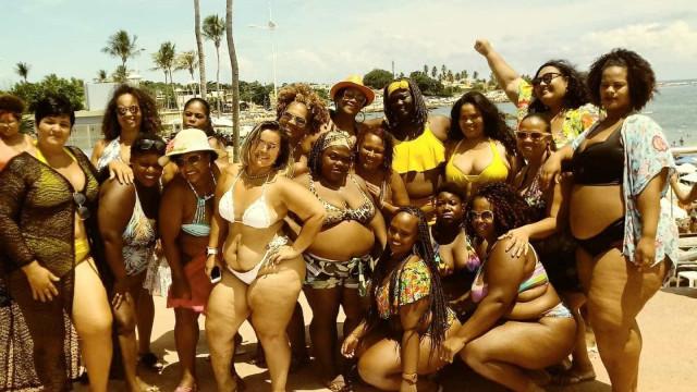 Contra a gordofobia, mulheres fazem ato 'Vai Ter Gorda na Praia' na BA