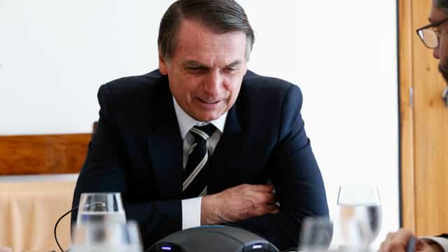 Bolsonaro escolhe general para o cargo de porta-voz do governo