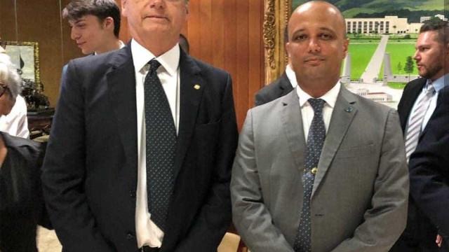 Bolsonaro anuncia Major Vitor Hugo como líder do governo na Câmara
