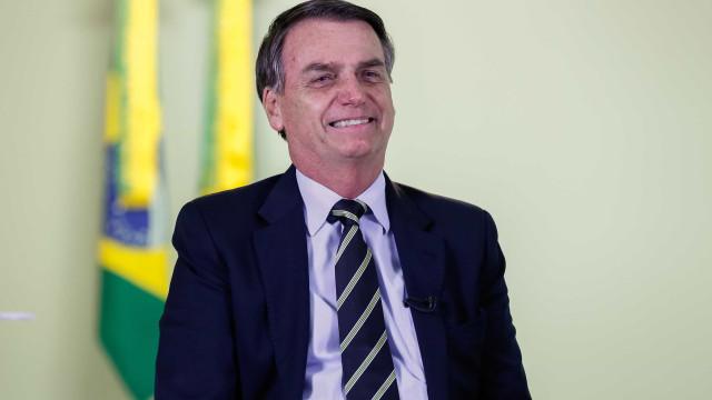 Seguidor pede a Bolsonaro para liberar maconha e presidente responde