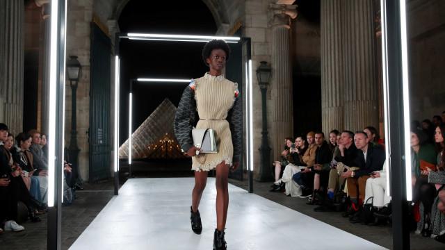 Semana de Moda de Paris altera programação devido a 'coletes amarelos'
