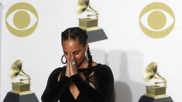 Alícia Keys sobre Grammy:'Oportunidade para reconhecer mulheres jovens'