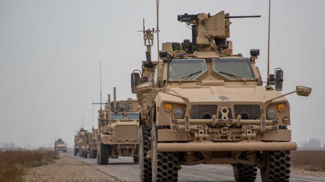 Em meio a retirada de tropas, americanos morrem em explosão na Síria