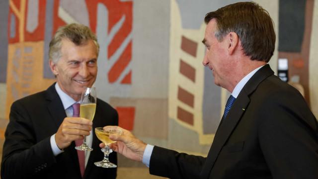 Bolsonaro e Macri querem rever tarifa externa comum do Mercosul
