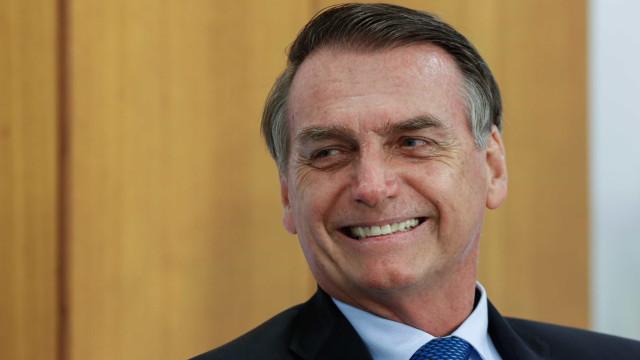 Bolsonaro cogita aumentar pontuação máxima da CNH para 40, diz TV