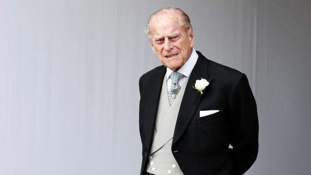 Marido da rainha Elizabeth II se envolve em acidente na Inglaterra