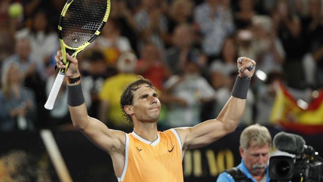 Nadal e Federer vencem e se classificam às oitavas em Melbourne