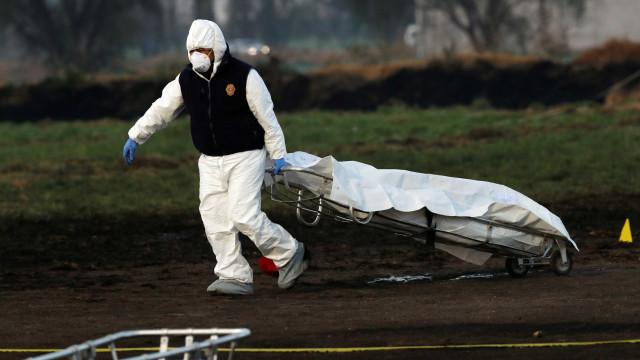 Sobe para 85 número de mortos em explosão de tubulação no México