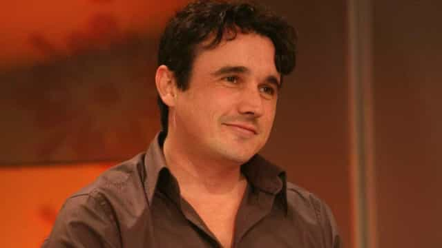 Sem febre, Caio Junqueira aguarda cirurgia após acidente de carro
