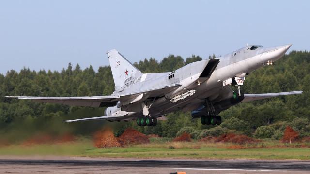 Queda de bombardeiro russo deixa três mortos e um ferido