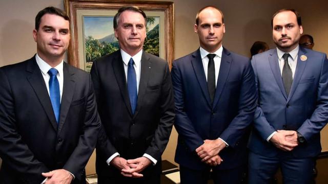 Família Bolsonaro tem histórico de elogios a PMs ligados a milícias