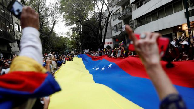 Protestos contra Maduro deixam pelo menos 13 mortos na Venezuela