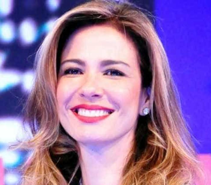 Luciana Gimenez causa revolta ao chamar cozinha de senzala