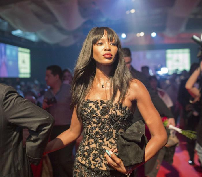 Naomi Campbell se irrita com fotógrafo
