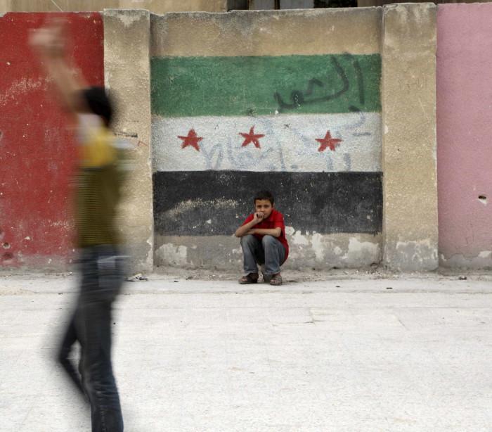 Pelo menos 25 mortos e 120 feridos em bombardeamentos em Alepo