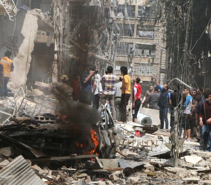 Bombardeios na Síria causaram mais de 7,6 mil mortes desde 2014