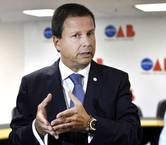 Temer não deveria ter recebido  um 'fanfarrão', diz presidente da OAB