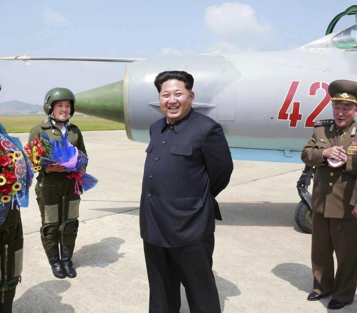 Coreia do Norte lança três mísseis balísticos