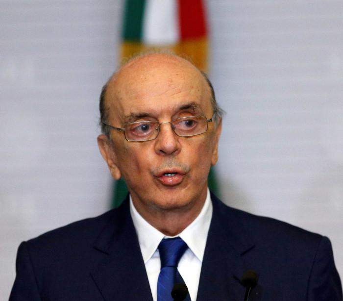 Exoneração de Serra do cargo de ministro  é publicada no Diário Oficial
