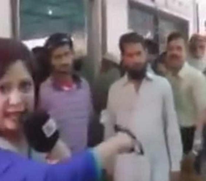 Repórter leva tapa na cara ao confrontar policial