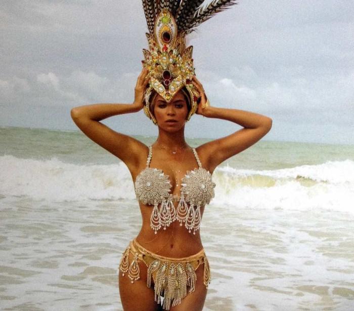 Esperando confirmação de Beyoncé, bailarinos dão show na Tijuca