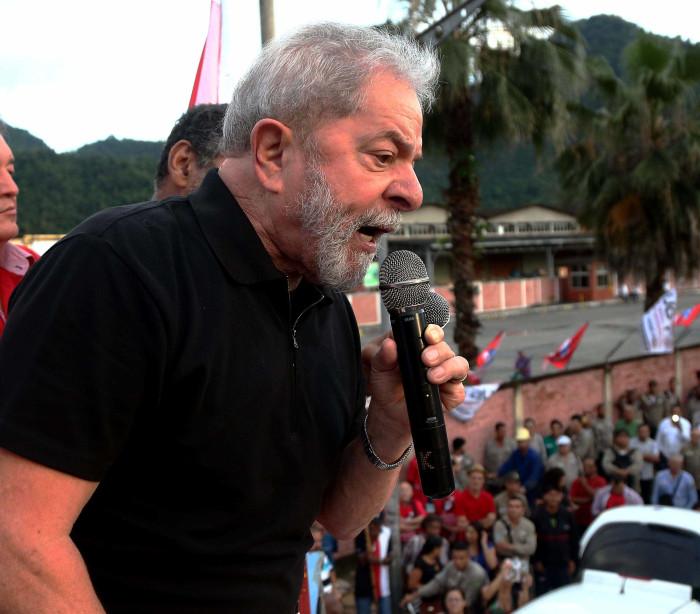 'A prova que tem contra mim é um pedágio', diz Lula sobre tríplex