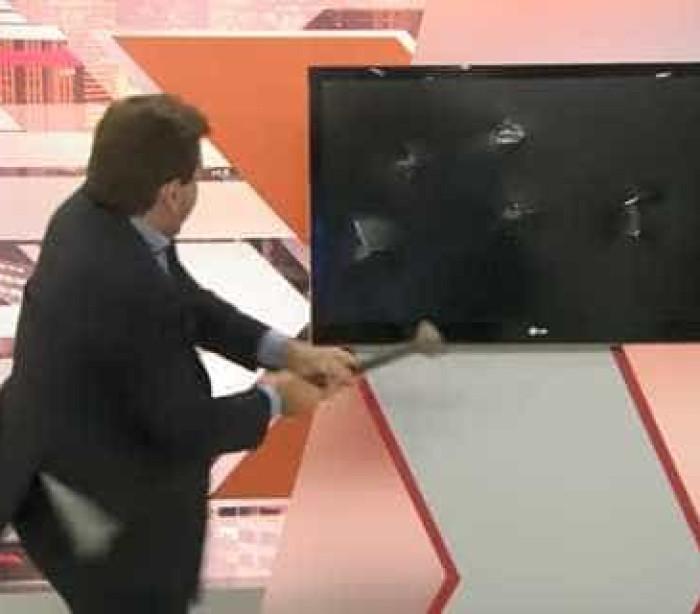 Apresentador de Cidade Alerta local quebra tv ao vivo