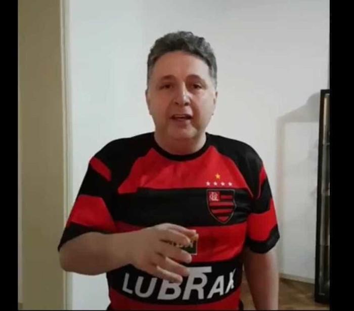 Com a camisa do Flamengo, Garotinho posta vídeo se exercitando